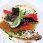 チオリ - 自家製オイルサーディンとドライトマトとモッツァレラのオーブン焼き