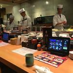 京寿司 - 京寿司 門司店(福岡県北九州市門司区東新町)店内カウンター