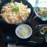 楽酒菜 輪 - ランチの親子丼
