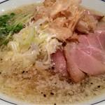 らーめん鱗 茨木店 - 塩ラーメン大盛り  900円