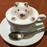 46848971 - こちらは娘の頼んだ カフェラテ 3D ラテアートのクマさん!かわいい~~!