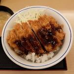 かつや 八王子南大沢店 - 豚汁(小)とソースかつ丼