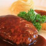 ツェッツェ・ロッソ - 料理写真:ハンバーグセット