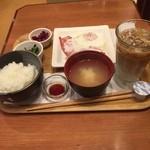 46853138 - ベーコンエッグ定食                       ホテルメッツ横浜鶴見のモーニングがここですが、念願だったので…