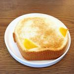 カテッジイン・レストラン - 金谷ホテルベーカリー一番人気のチーズロード