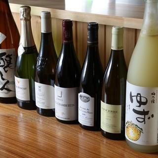 本格焼酎には丸氷で◎全国の日本酒・蔵元直送ワインをご用意