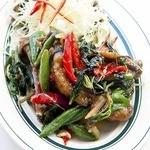 牛肉の辛口ハーブ炒め ★ ヌア・パッチャー