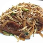 聚香閣 - 牛肉入り焼きビーフン