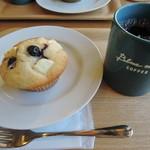 ブルー マグ コーヒー - 料理写真:ブルーベリーマフィン