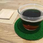 46878291 - 暖かい麦茶とおしぼり