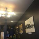 喫茶チロル - 壁には懐かしい街の写真