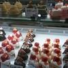 ボン・プレサージュ - 料理写真:ショーケースの美味しそうなケーキさん☆