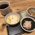 46891387 - おばんざい3種類とほうじ茶