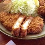 銀座 井泉 - 黒豚ロースカツ定食2420円+牡蠣フライ720円