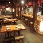 久茂地 肉寿司 - 肉寿司の店内はこんな感じ。