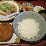 えんざ - えんざの定食「メンチカツ、もつ煮」