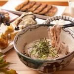旬菜・じねんじょ市場 とろろ庵 - 一番人気の自然薯とろろまぜそば