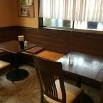 麺工房おおにし - このコーナーでいただきましたが、カジュアルなカフェ風で、落ち着きます