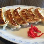 46909374 - 焼餃子6個:290円 普通に美味しかったけど嫁にはイマイチだったようです^^;