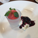 TRATTORIA NONNO - Cランチドルチェ/サマーティアラのアイス、チーズケーキハックルベリーソースがけ