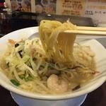 ラーメン食堂 一 - 特製タンメン(麺ハーフ)麺リフト