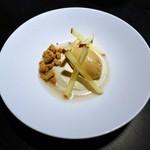ピルエット - りんごのムース、キャラメルのアイスクリーム