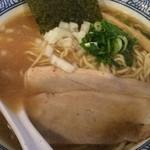 和伊まる - 濃厚煮干し鶏白湯そばアップ