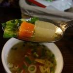 ラーンガンエーン - 滋味あふれるトムヤム風スープ