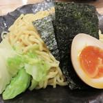 博多 Tetsuji - 寿司&和食居酒屋さんですが、ランチタイムは寿司ではなく、つけ麺メニュー1本。