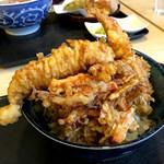天丼の岩松 - 海鮮丼アップ!やはり本店より黒っぽく見えるのは気のせい?かしら...