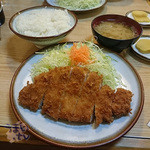 とん楽 - ロースかつ定食 1080円