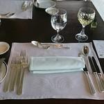 フレンチダイニング トップ オブ キョウト - 今時珍しいテーブルセッティング