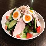 東京焼肉 あかね - 親子サラダ(卵と蒸し鶏のサラダ)