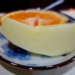茶房本社 - 朝定食 茶粥(500円)・果物
