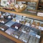 かたの - 料理写真:和菓子ショーケース。