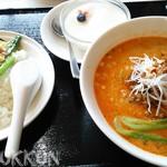 榮鳳 - 選麺飯(四川坦々麺・半中華飯)1000円+税