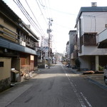 46967989 - '16/01/30 近江町市場を抜けると旅館2軒‥突き当り左に店