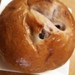 坂井屋菓子店 - ブルーベリーパン