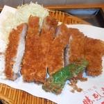 二代目 勝烈亭 - ロースカツ定食のアップ