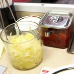 46973414 - 福神漬に加え、ザワークラウト(キャベツ酢漬け)が食べ放題!