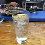 立ち飲み とっちゃん - とっちゃんマーク入りの金宮酎ハイ!