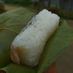 柿の葉ずし 平宗 - 購入翌日だとシャリの熟れは今一