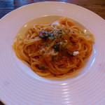 カフェ サルーテ - パスタランチのツナとケッパーのトマトパスタ