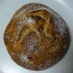 パン・ド・ブレ - 栗渋皮煮のボルカン