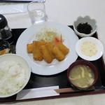 Go飯屋 - 魚フライ定食700円