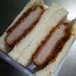 スーパーアルプス - 料理写真:厚切りヒレカツサンド ボリィーミィ♪
