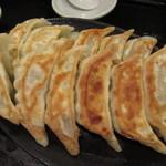 Gyouzanoantei - 安亭の焼餃子(12個)