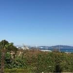 イタリア料理 リストランテ フィッシュボーン - 窓からの景色  鳴門海峡が見えます