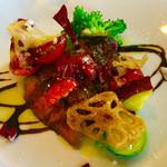 イタリア料理 リストランテ フィッシュボーン - 阿波牛ランプのタリアータ バルサミコソース