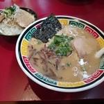 博多一凛 - 長浜ラーメン+チャーシュー丼(平日限定ランチ)800円